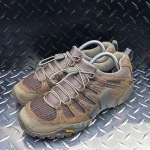 ••Merrell sneakers
